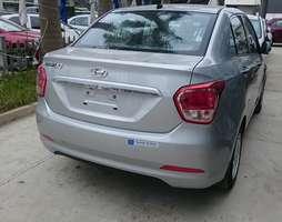 Hyundai Grand i10 Sedan 1.2 MT base nhập khẩu, giá cực rẻ.
