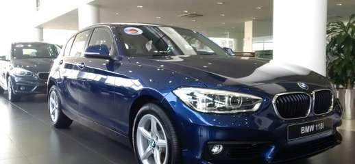 Giá xe BMW 118i 2017 Màu Xanh Động cơ 1.5L Turbo Giao xe ngay BMW Long Biên Bán xe trả góp Toàn Quốc, Ảnh số 1