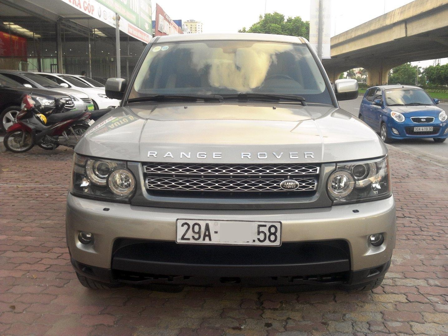b n land rover lange rover sport supercharged 5 0 model 2010 m u v ng xe c c p nguy n b n gi. Black Bedroom Furniture Sets. Home Design Ideas