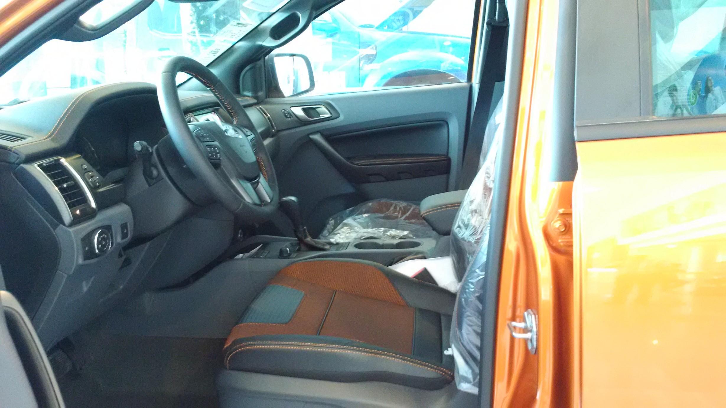 Bán xe Ford Ranger Wildtrak 3.2 AT xe giao ngay, giá ưu đãi Ảnh số 38492498