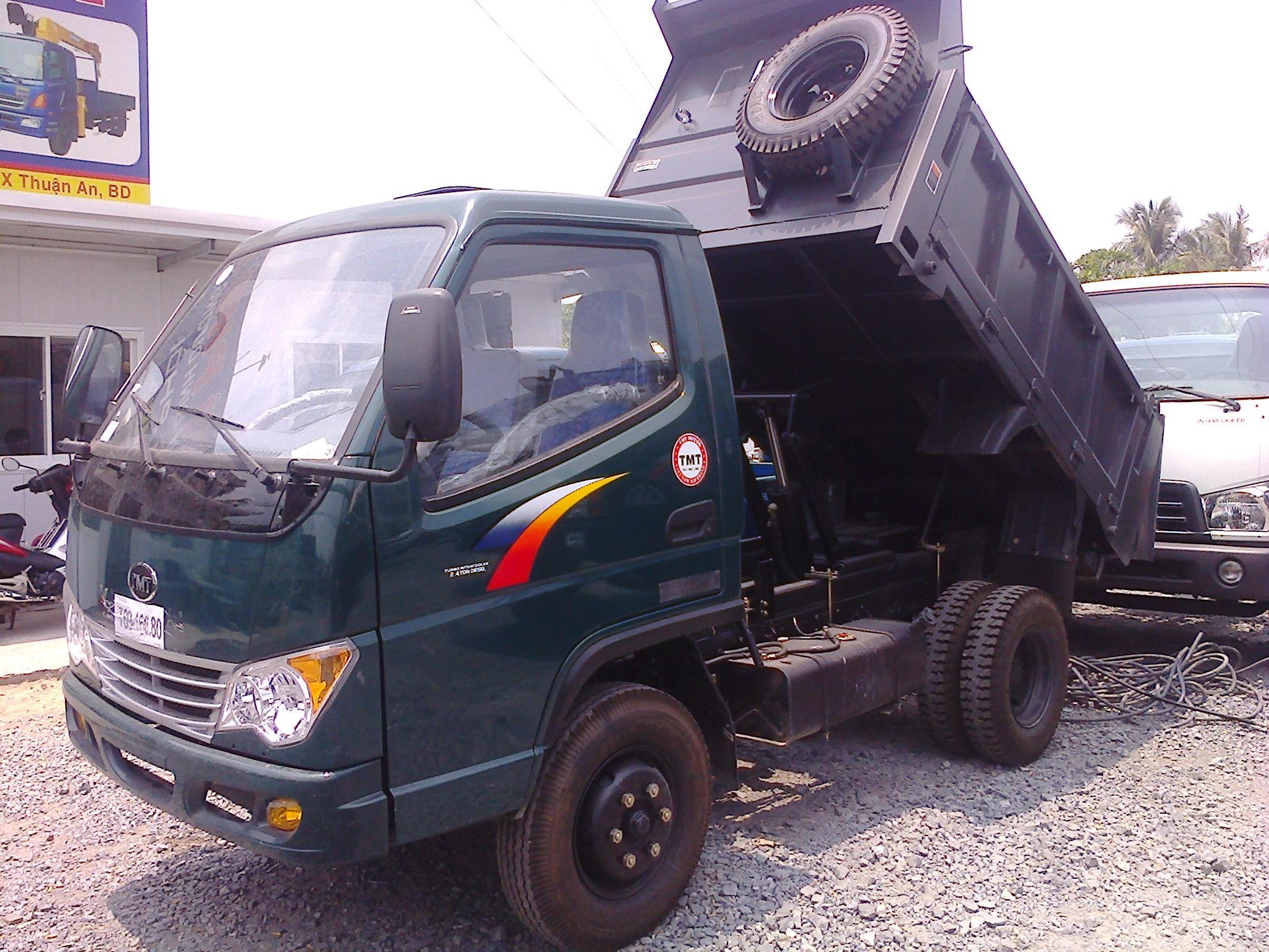 Cần bán xe tải ben TMT 2,4 tấn máy huyndai, đời 2017 chở được 2,7 khối