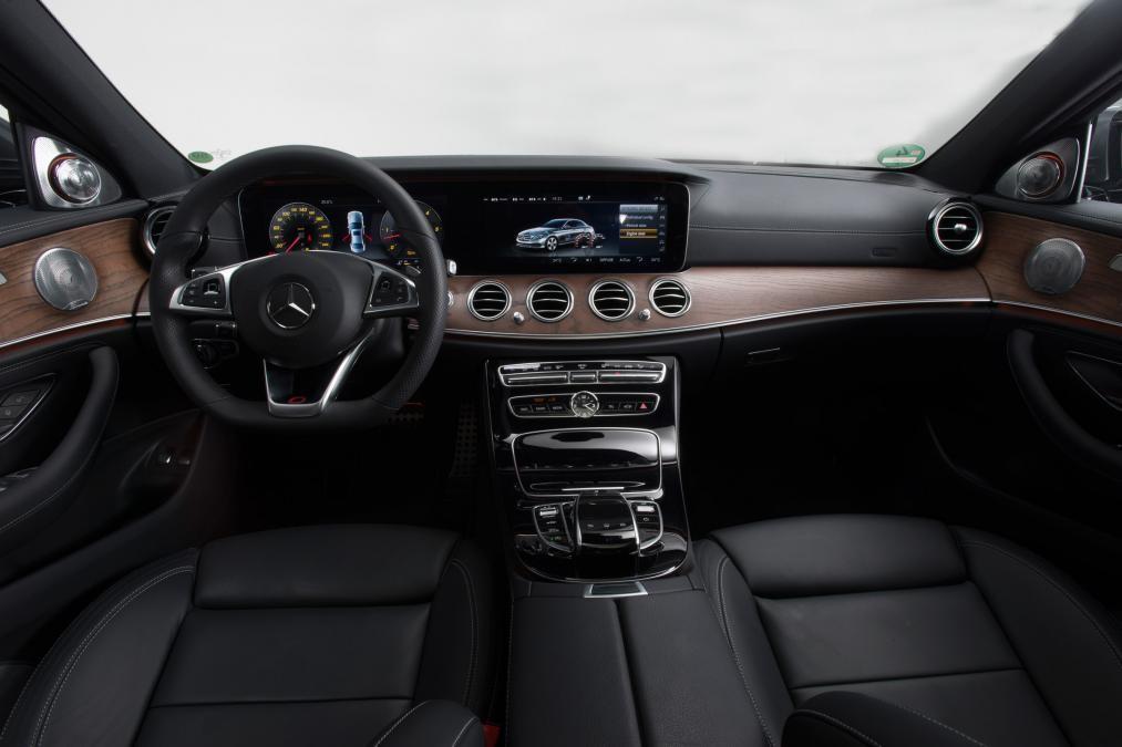Mecerdes E250 Model 2016 mới 100%.Giao xe sớm.KM hấp dẫn Ảnh số 38999866