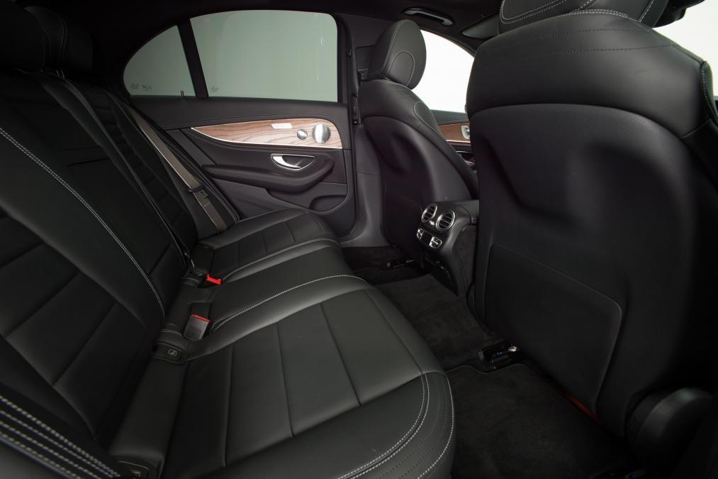 Mecerdes E250 Model 2016 mới 100%.Giao xe sớm.KM hấp dẫn Ảnh số 38999867