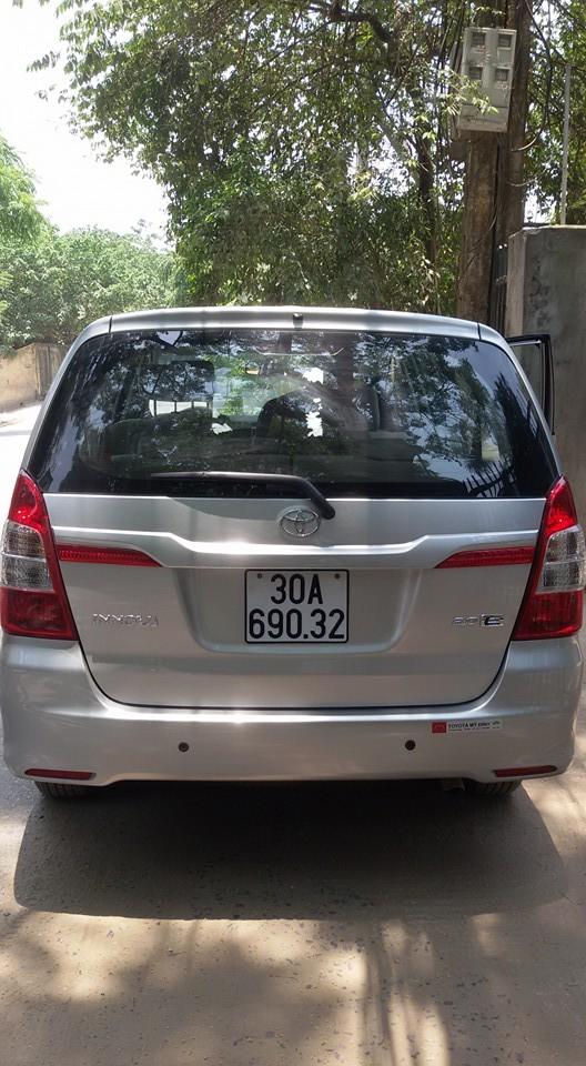 Bán lại xe ô tô Toyota Innova 8 chỗ, chính chủ, màu bạc, xe số sàn, đời E 2015, giấy tờ đầy đủ Ảnh số 40437329