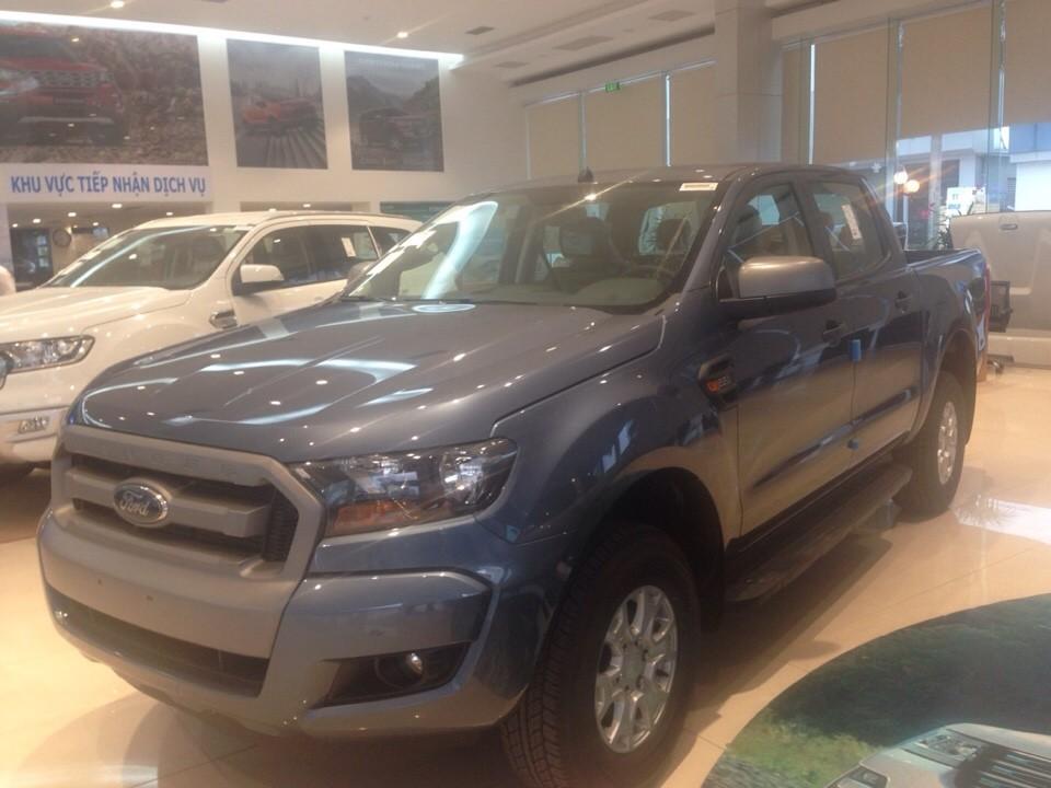 Bán xe Ford Ranger XLS 2.2L 4x2 AT màu xanh thiên thanh giá tốt nhất giao xe ngay Ảnh số 40671837