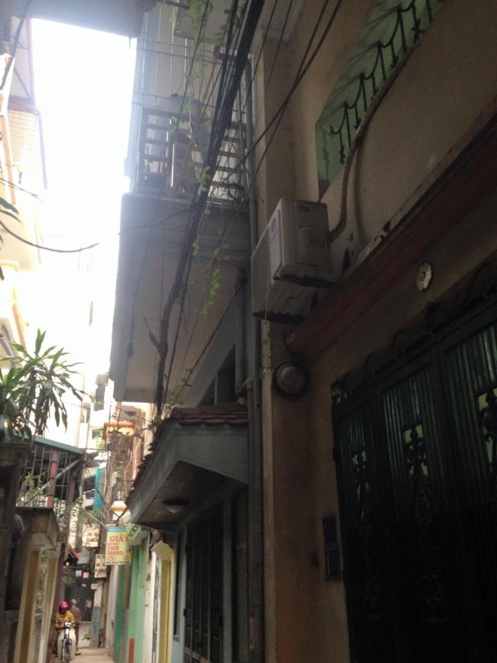 Bán nhà 50m2 x 3 tầng ngõ phố Hoàng Hoa Thám, SĐCC giá 3,5 tỷ. Ảnh số 40785795