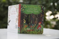Ảnh số 1: Peep Inside The Little Red Riding Hood - Giá: 229.000