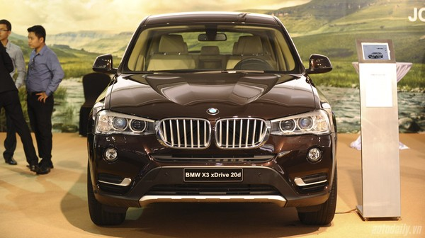 bmw x3 2016 nh p kh u giao xe ngay bmw x3 m y d u full option bmw x3 m u en tr ng b c gi xe x3. Black Bedroom Furniture Sets. Home Design Ideas