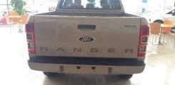 Ford Ranger XLS MT 1 cầu, số sàn giá tốt và nhiều ưu đãi cho khách hàng, Ảnh số 4