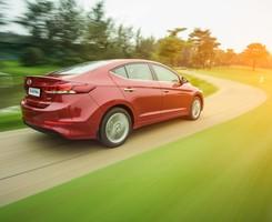 Hyundai Elantra 2016 giá cực tốt, trả góp 85% xe giao ngay đủ các màu, Ảnh số 2