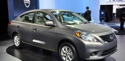 Xe ô tô 5 chỗ giá rẻ , xe hơi số tự động giá rẻ.