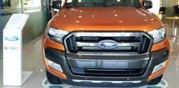 Bán xe Ford Ranger Wildtrak 3.2 AT xe giao ngay, giá ưu đãi.