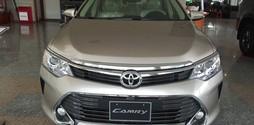 Bán Toyota Camry 2.0E, số tự động, giao xe ngay, khuyến mãi cực l.