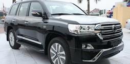Land Cruiser giảm giá lớn, giao xe ngay Toyota Land Cruier đủ màu.