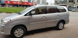 Toyota Innova 2.0V số tự động màu bạc sx 2011.