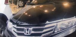 Honda City 2014 màu đen, bảo hành 2 năm chính hãng.