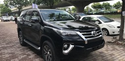 Hot Hot.Giao ngay Toyota Fortuner 2.7 2 cầu mới 100%.