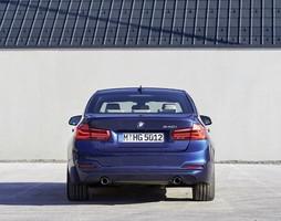 Bán BMW 320i, 330i 2016, 2017 mới, nhập khẩu từ Đức, nhiều màu, g.