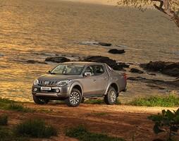 Mitsubishi Triton 2015 New, Giá đã tốt, chất lượng còn tốt hơn.Alo.