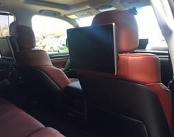 Lexus 570 màu đen ,nội thất nâu bò,mới 100%.