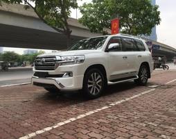 Toyota Landcruiser 4.6 VXR V8 2017.