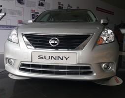 Nissan Sunny chiếc xe của hiệu quả thoải mái và cảm nhận từ ta.