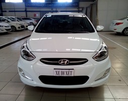 Hyundai Accent Blue.