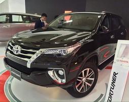 Xe Fortuner Model 2017 nhập khẩu nguyên chiếc từ Indonesia, Giao xe nha.