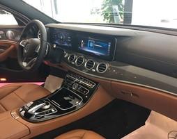 Mercedes Benz E300 AMG có xe giao ngay.