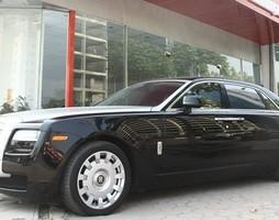 Bán Rolls Royce Ghost EWB II màu đen, đăng kí 2013,.