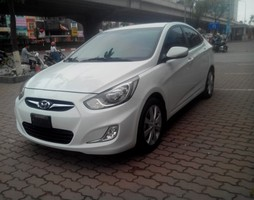 Bán Hyundai Accent 2013, nhập khẩu, màu trắng, 489 triệu.