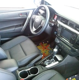 Bán Toyota Corolla Altis 2.0V 2016 Full option, giao xe ngay.