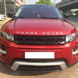 Land Rover Range Rover Evoque Dynamic màu đỏ, sản xuất 2012.