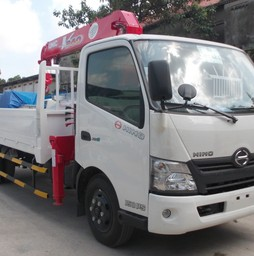 Bán xe tải gắn cẩu UNIC 3 tấn, 5 tấn, 8 tấn, 10 tấn trả góp gi.