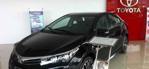 TOYOTA Corolla Atis 2.0V, 1.8 AT/MT hoàn toàn mới, khuyến mãi cực lớn trong tháng, giao xe ngay, Ảnh số 1