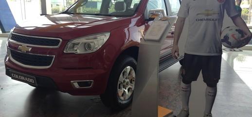 Bán xe Chevrolet COLORADO mới 100%,có đủ màu cho Khách Hàng lựa chọn,giao xe ngay,hỗ trợ trả góp 90% giá trị xe, Ảnh số 1