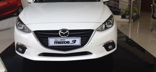 Mazda 3 2017 hachtback màu trắng giá rẻ nhất khuyến mãi tưng bừng, Ảnh số 1