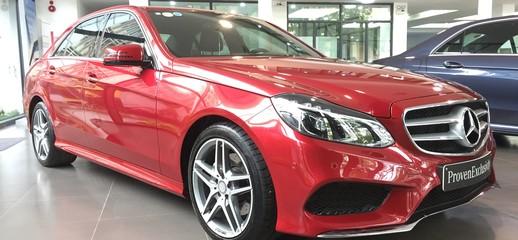 Bán Mercedes E250 AMG 2015 màu Đỏ đã qua sử dụng chạy cực ít, Ảnh số 1