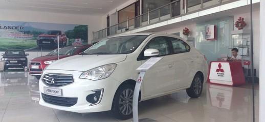 Mitsubishi attrage màu trắng xe nhập giá rẻ, Ảnh số 1