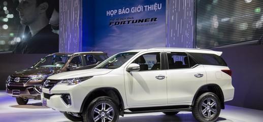 Bán xe Toyota 2017 Máy xăng, máy dầu thế hệ đột phá hoàn toàn mới, giá hấp dẫn, giao xe ngay, Ảnh số 1