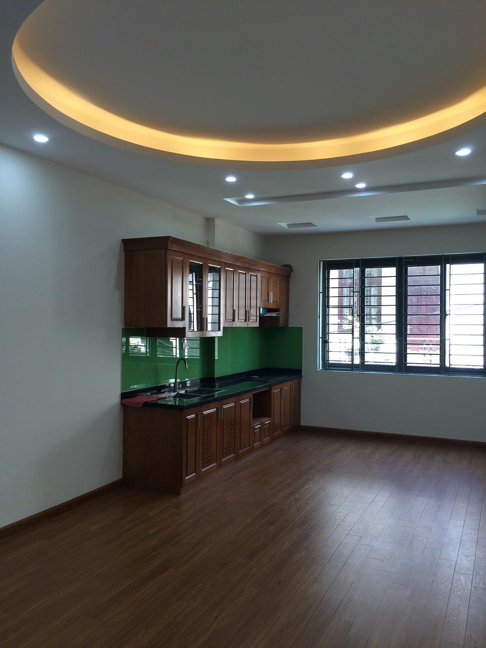 Bán nhà mới 5,5 tầng chia lô tại phố Nghĩa Đô, Hoàng Quốc Việt, Cầu Giấy, giá 8.2 tỷ. SĐCC Ảnh số 42130626
