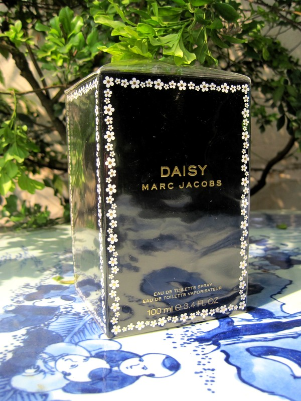 Ảnh số 18: Daisy by Marc Jacobs 100ml - Eau de Toilette - Authentic - Giá: 1.500.000
