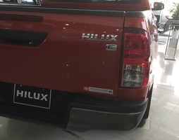 Toyota Hilux 2.4E AT 1 cầu 2018, giao xe ngay.