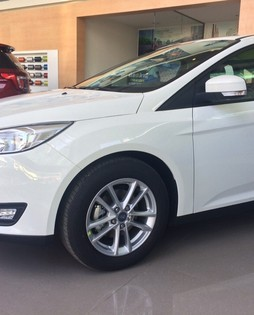 Ford Focus Trend 1.5 Eco boots, 180 HP, mạnh mẽ, Giao xe ngay, chỉ 600 triệu