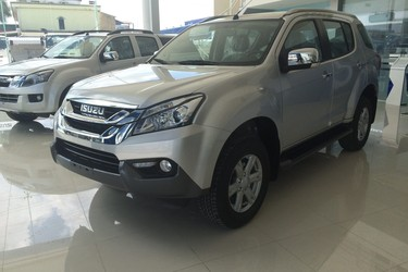 Isuzu mux 3.0 at