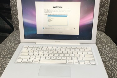 Macbook white A1181, Core 2 Duo T7300/8300 2.4 2GHz, HDD 160Gb, 13.3 inch