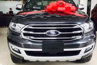 Ford everest 2018 giao ngay không cộng tiền