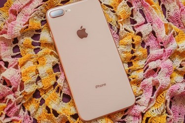 Apple iPhone 8 plus 64gb cực rẻ tại Dĩ An