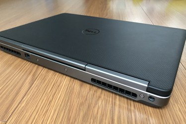 DELL Precision 7510 / i7 6820HQ / 16GB / M2 180GB Intel / M2000M / 15.6 FHD máy đẹp