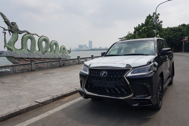 Lexus lx570 Black Edition S 2020